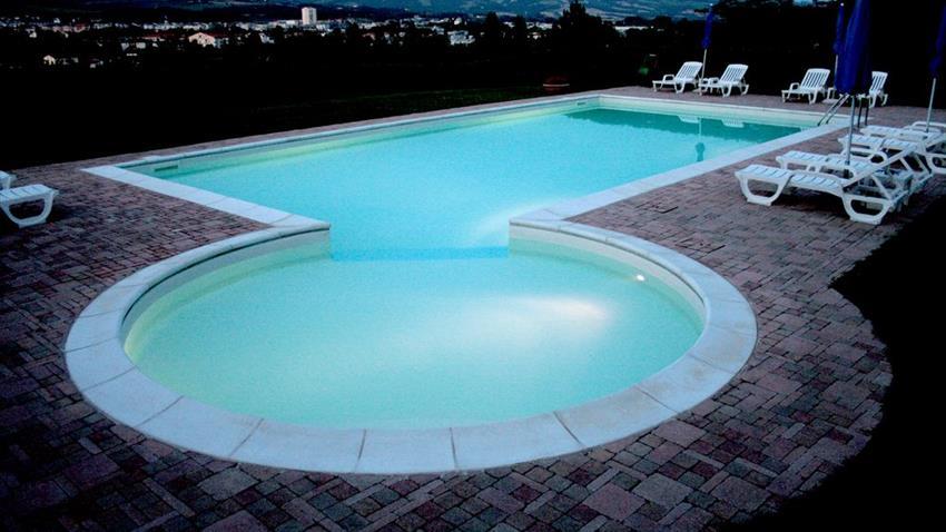 Agriturismo in umbria con piscina senza cloro - Piscina con acqua salata ...