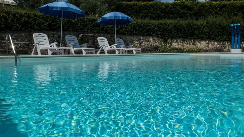 Agriturismo in umbria con piscina senza cloro - Piscina acqua salata ...